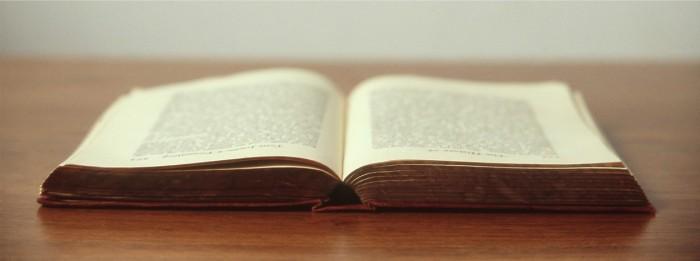 book-692575_1280